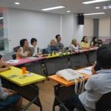 진상현 교수 발표를 듣고 있는 시민패널들